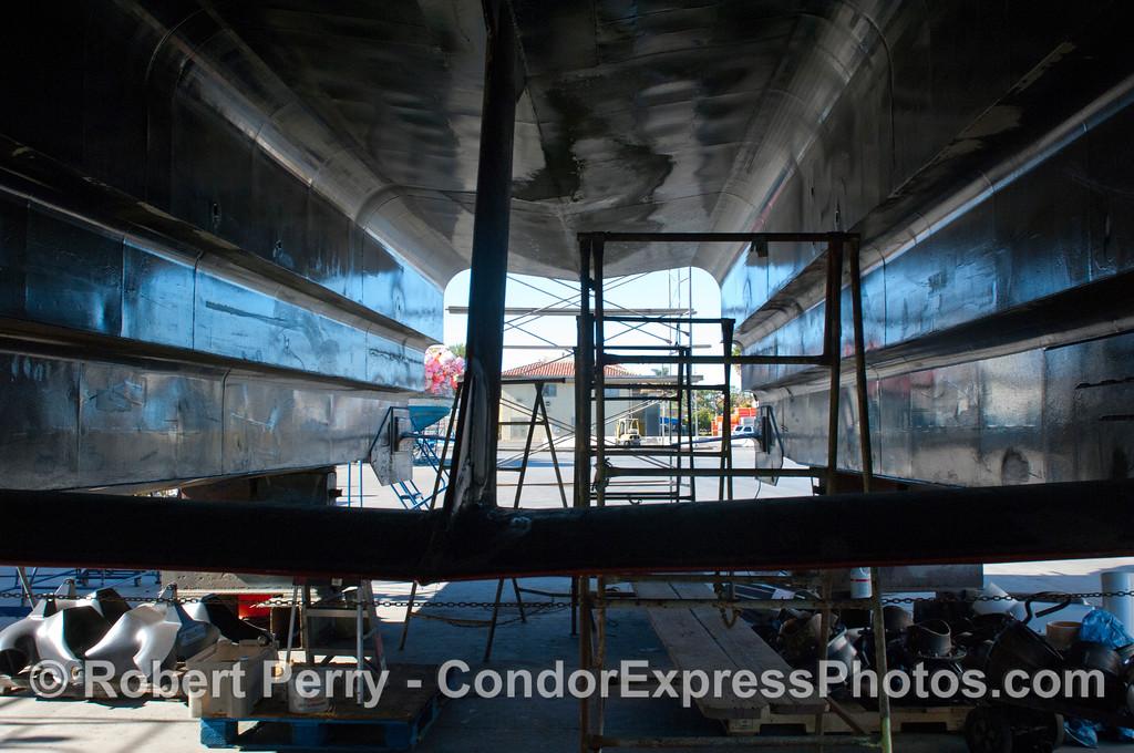 Condor Express hauled out 2011 11-25 - Ventura Hbr - 052