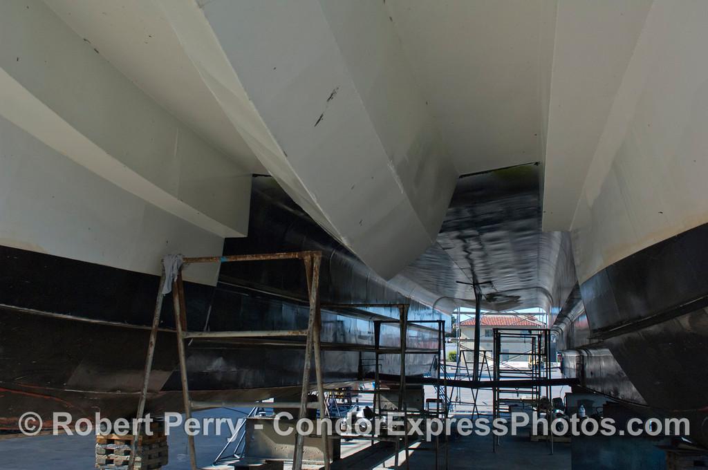 Condor Express hauled out 2011 11-25 - Ventura Hbr - 044