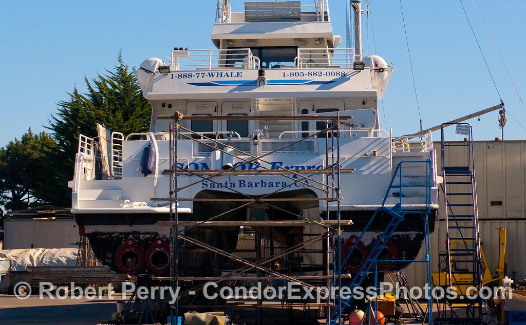 Condor Express hauled out 2011 11-25 - Ventura Hbr - 005