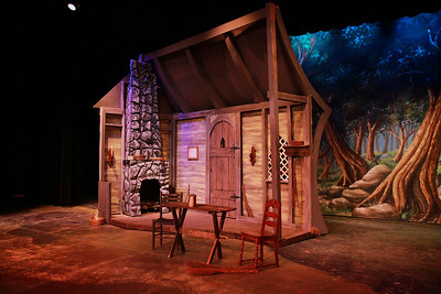 Gardner-Webb Opera Theatre Presents Engelbert Humperdinck's Hansel and Gretel; November 2011.