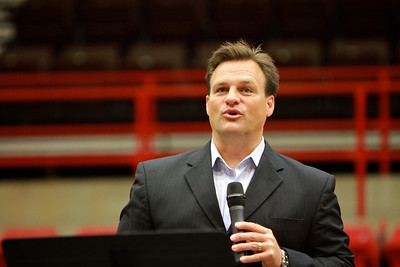 Former WCNC anchor turned pastor Chris Justice at Dimensions; October 11, 2011.
