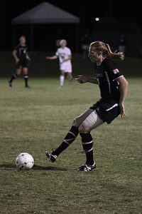 Stephanie Benshoof, 16, passes the ball.