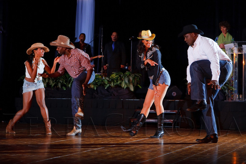 (Denver, Colorado, Oct. 29, 2011)<br /> Melissa Tyler and Chris Page are paired with Damon and Heather Barry for a country line dance.  Dancing with the Denver Stars Gala, benefiting Cleo Parker Robinson Dance, at the Renaissance Denver Hotel in Denver, Colorado, on Saturday, Oct. 29, 2011.<br /> STEVE PETERSON
