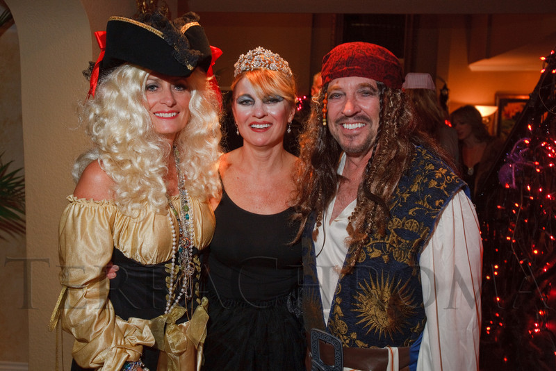(Denver, Colorado, Oct. 29, 2011)<br /> xxx, Denise Snyder, and xxx.  Halloween party at the home of Denise and Brent Snyder in Denver, Colorado, on Saturday, Oct. 29, 2011.<br /> STEVE PETERSON