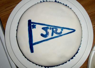 Mange gode kaker til kaffien, og en var flott pyntet med SR-vimpelen