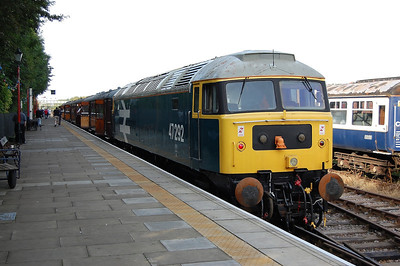 47292 is pictured on arrival at Ruddington with 1D06 1139 ex-Loughborough on the first day of the GCRN's Autumn Diesel Weekend. The '47' was working top-and-tail with 46010 and had worked this particular train over the short distance from Ruddington South Junction (01/10/2011)