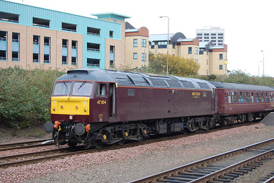 Later that afternoon 47854 is pictured at the head of the 1Z58 1530 return leg to Shrewsbury (12/10/2011)