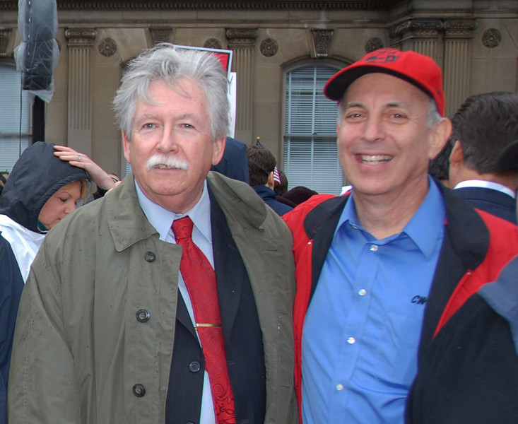 District One Vice President Chris Shelton and CWA President Larry Cohen (right).