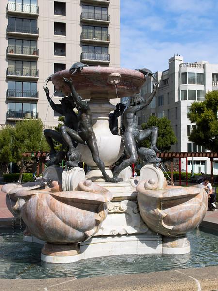 Huntington Park fountain