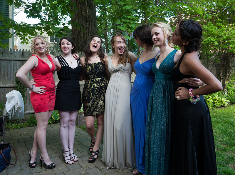 Prina, Kaleen, Rose, Isabel, Natalia, Sophia, and Thalia, laughing