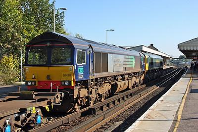 66428 Basingstoke 28/09/11 4M28 Southampton to Ditton led by 66569
