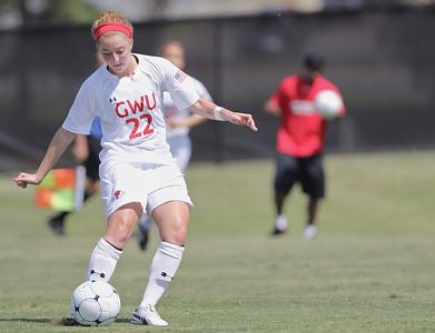 Sarah Morabito (22) passes the ball.