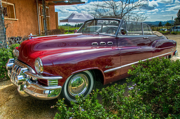 While we were hanging out at Ridge I noticed there was a sweet old Buick in the parking lot. I couldn't resist and took a couple HDR's -- just for fun effect!