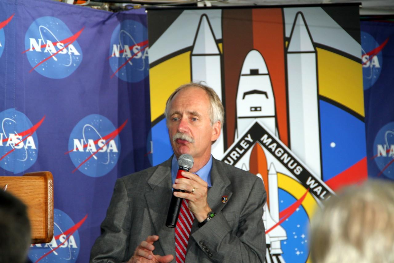 NASA Associate Administrator for Space Operations Bill Gerstenmaier