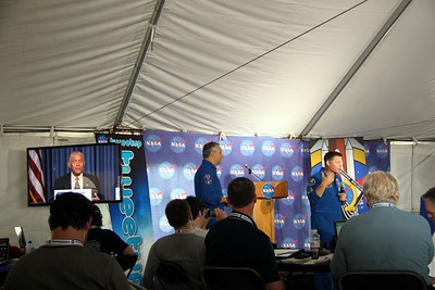 Astronauts Mike Massimino (@Astro_Mike) (l) and Doug Wheelock (@Astro_Wheels).  On the monitor is NASA administrator and former astronaut Charlie Bolden