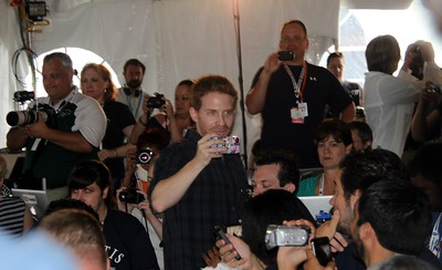 Actor and space enthusiast Seth Green (@SethGreen) and fellow tweeps record  the debut of Fanfare for STS-135, a theme for the mission created by noted science fiction composer Bear McCreary