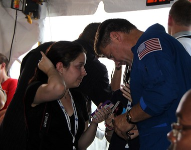 @glancz with astronaut Doug Wheelock (@Astro_Wheels)