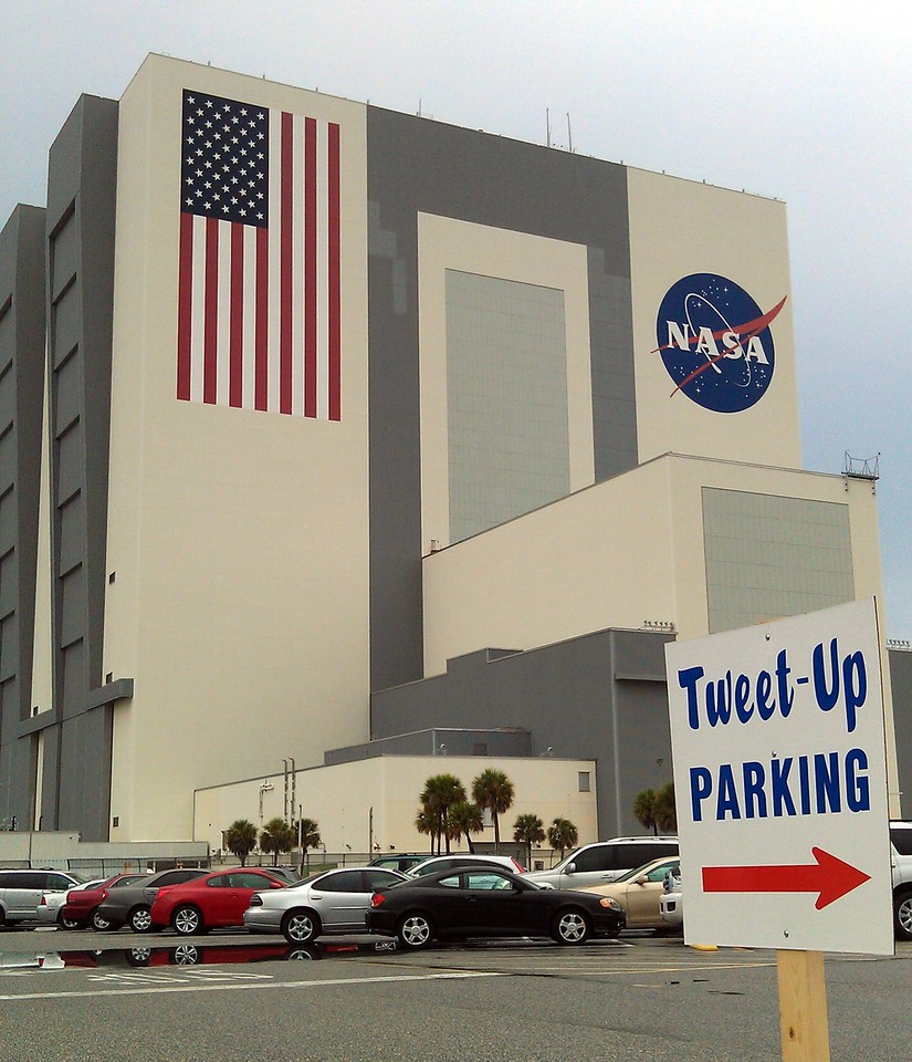 Tweetup parking was in front of the Vehicle Assembly Building