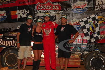 Jared Landers and Crew in Victory Lane @ Tazewell Speedway