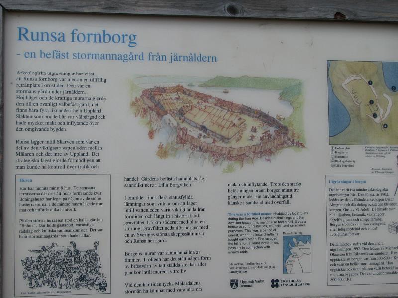 Informationstavla om Runsa fornborg