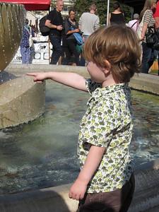 Look, a fountain!