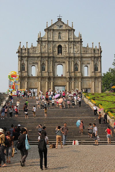 Ruins of St Paul.  Yup, crowded as usual.