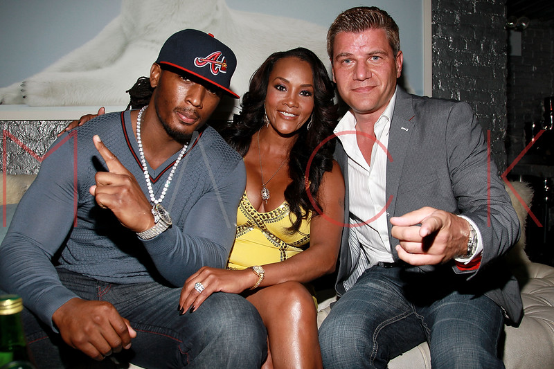 NEW YORK, NY - AUGUST 25:  Omar 'Slim' White, Vivica A. Fox and Tom Murro attend BJ Coleman's 31st birthday party at The Polar Lounge on August 25, 2011 in New York City.  (Photo by Steve Mack/S.D. Mack Pictures) *** Local Caption *** Omar 'Slim' White; Vivica A. Fox; Tom Murro
