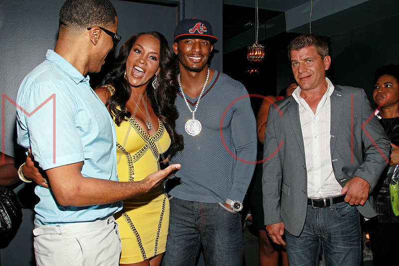 NEW YORK, NY - AUGUST 25:  BJ Coleman, Vivica A. Fox, Omar 'Slim' White and Tom Murro attend BJ Coleman's 31st birthday party at The Polar Lounge on August 25, 2011 in New York City.  (Photo by Steve Mack/S.D. Mack Pictures) *** Local Caption *** BJ Coleman; Vivica A. Fox; Omar 'Slim' White; Tom Murro