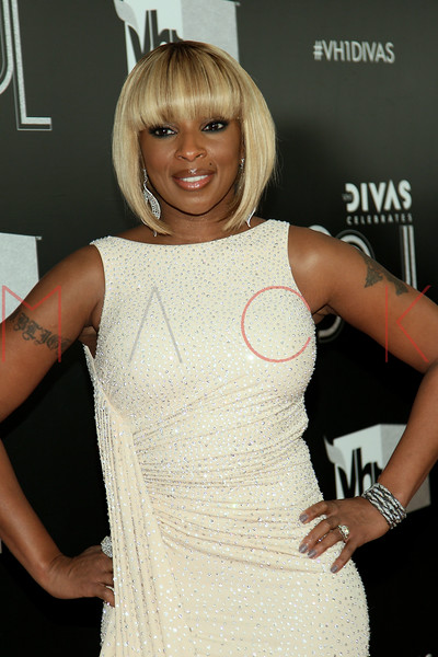 NEW YORK, NY - DECEMBER 18:  Mary J. Blige attends 2011 VH1 Divas Celebrates Soul at the Hammerstein Ballroom on December 18, 2011 in New York City.  (Photo by Steve Mack/S.D. Mack Pictures)