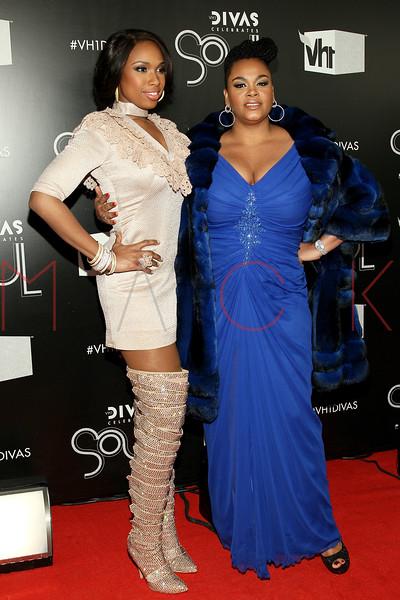 NEW YORK, NY - DECEMBER 18:  Jennifer Hudson and Jill Scott attend 2011 VH1 Divas Celebrates Soul at the Hammerstein Ballroom on December 18, 2011 in New York City.  (Photo by Steve Mack/S.D. Mack Pictures)