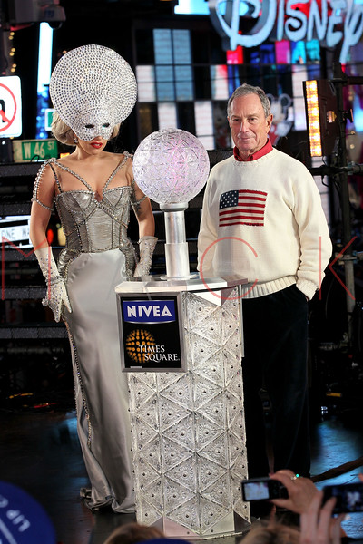 NEW YORK, NY - DECEMBER 31:  New York City Mayor Michael R. Bloomberg (R) and Lady Gaga ring the new year at New Year's Eve 2012 in Times Square on December 31, 2011 in New York City.  (Photo by Steve Mack/S.D. Mack Pictures)