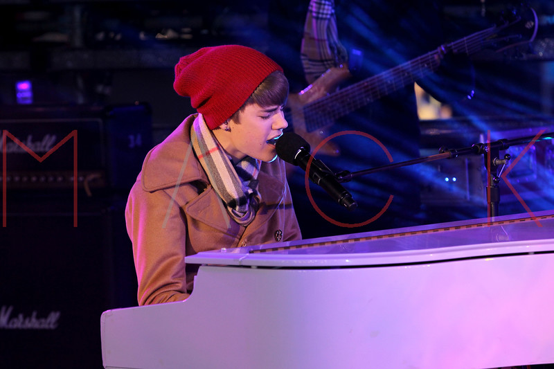 NEW YORK, NY - DECEMBER 31:  Justin Bieber performs at New Year's Eve 2012 in Times Square on December 31, 2011 in New York City.  (Photo by Steve Mack/S.D. Mack Pictures)