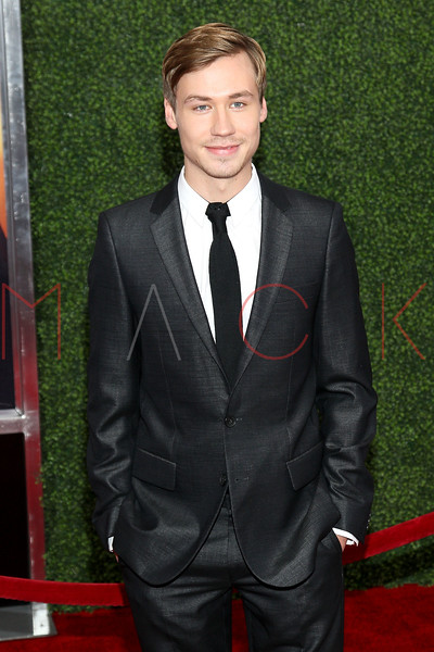 """NEW YORK, NY - DECEMBER 04:  David Kross attends the """"War Horse"""" world premiere at Avery Fisher Hall at Lincoln Center for the Performing Arts on December 4, 2011 in New York City.  (Photo by Steve Mack/S.D. Mack Pictures)"""
