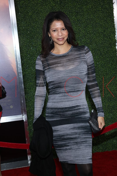 """NEW YORK, NY - DECEMBER 04:  Gloria Reuben attends the """"War Horse"""" world premiere at Avery Fisher Hall at Lincoln Center for the Performing Arts on December 4, 2011 in New York City.  (Photo by Steve Mack/S.D. Mack Pictures)"""