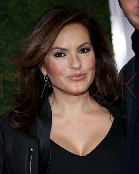 "NEW YORK, NY - DECEMBER 04:  Mariska Hargitay attends the ""War Horse"" world premiere at Avery Fisher Hall at Lincoln Center for the Performing Arts on December 4, 2011 in New York City.  (Photo by Steve Mack/S.D. Mack Pictures)"