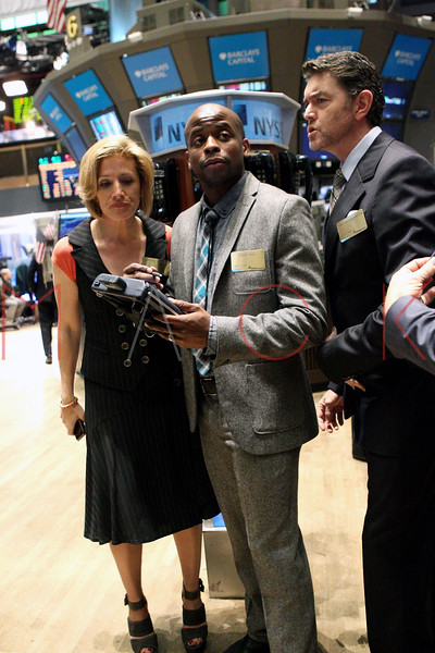 "NEW YORK, NY - OCTOBER 06:  Actors Kirsten Nelson, Dulé Hill and Timothy Omundson from the cast of ""Psych""  visit the New York Stock Exchange on October 6, 2011 in New York City.  (Photo by Steve Mack/S.D. Mack Pictures) *** Local Caption *** Kirsten Nelson; Dulé Hill; Timothy Omundson"