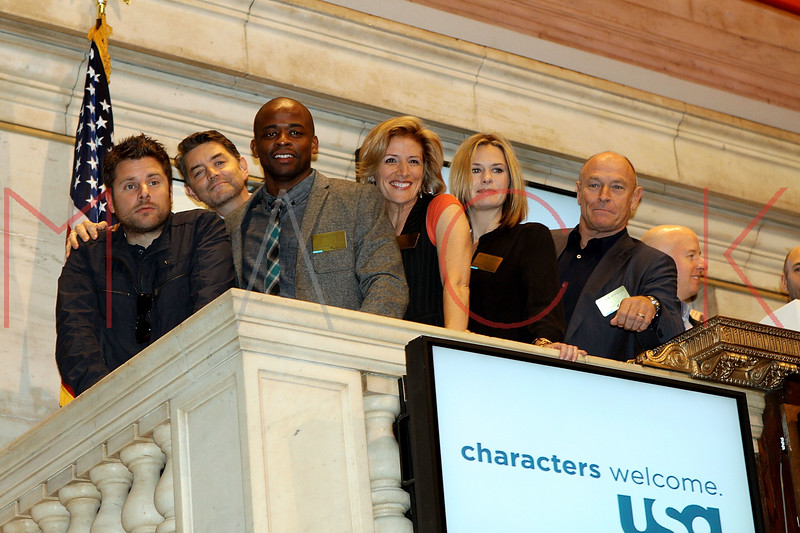 "NEW YORK, NY - OCTOBER 06:  Actors James Roday, Timothy Omundson, Dulé Hill, Kirsten Nelson, Maggie Lawson and Corbin Bernsen from the cast of ""Psych""  visit the New York Stock Exchange on October 6, 2011 in New York City.  (Photo by Steve Mack/S.D. Mack Pictures) *** Local Caption *** James Roday; Timothy Omundson; Dulé Hill; Kirsten Nelson; Maggie Lawson; Corbin Bernsen"