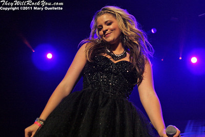 Lauren Alaina performs at American Idols Live! at the DCU Center on September 1, 2011 in Worcester, Massachusetts