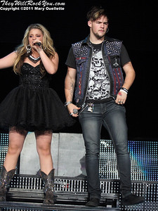 Lauren Alaina and James Durbin perform at American Idols Live! at the DCU Center on September 1, 2011 in Worcester, Massachusetts