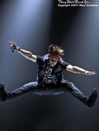 James Durbin performs at American Idols Live! at the DCU Center on September 1, 2011 in Worcester, Massachusetts