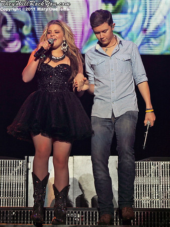 Lauren Alaina and Scotty McCreery perform at American Idols Live! at the DCU Center on September 1, 2011 in Worcester, Massachusetts