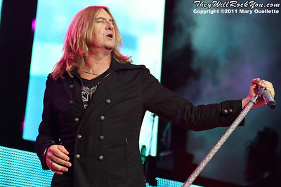 "Joe Elliott of Def Leppard performs on June 30, 2011 during the ""Mirrorball Tour"" at the Comcast Center in Mansfield, Massachusetts."