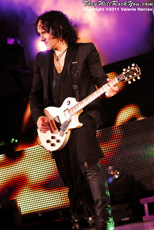Sep 10, 2011, Irvine, CA, USA - Vivian Campbell of Def Leppard, performs in support of the bands latest release Mirror Ball at the Verizon Wireless Amphitheater for the 6th annual 93.1 Jack FM show.