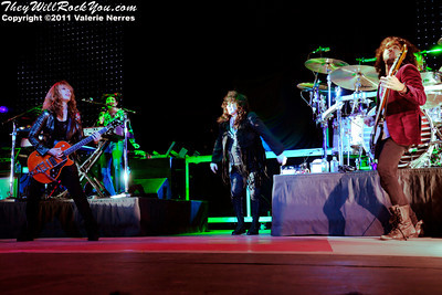 Sep 10, 2011, Irvine, CA, USA -  Heart performs at the Verizon Wireless Amphitheater in Irvine for 6th annual Jack FM 93.1 FM show.