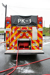 Palisades Park Wet Down Engine 1 Pierce 6-11-11