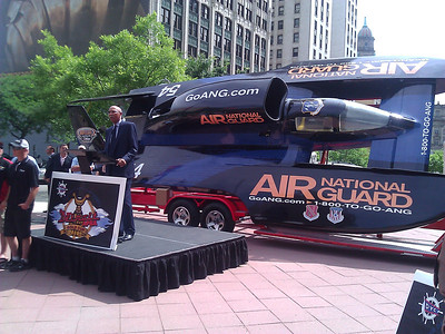 Mayor Dave Bing addresses crowd at pre-race press conference