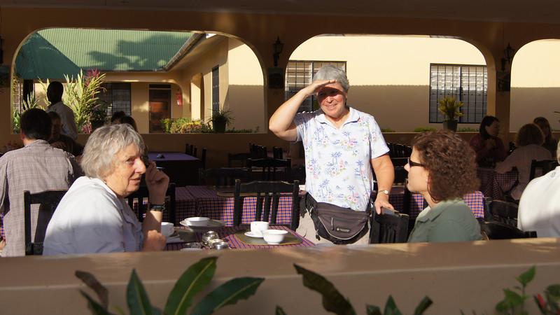0100_Moshi_Springlands_Angela, Melinda, Julie