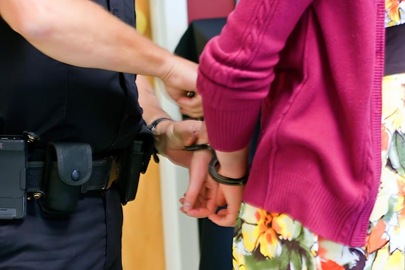 Hand Cuffs-06-05-01