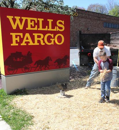 Wachovia, Wells Fargo, Tamaqua (4-30-2011)