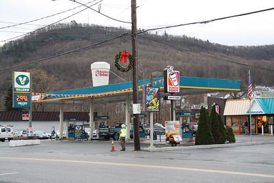 2.99 Gas, Fegley's Mini Mart, Tamaqua (12-20-2011)